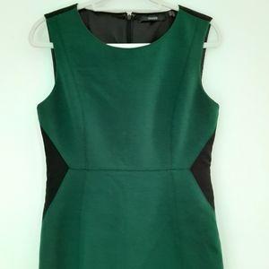 Tahari Sleevless Sheath Dress Sz 8